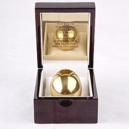 מתנה לגבר ביצת זהב