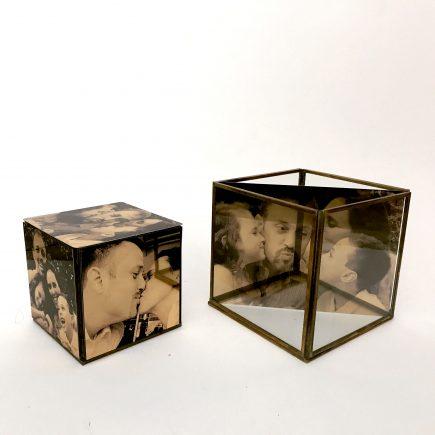 מתנה מיוחדת למשרד 2 קוביות זהב עם תמונות