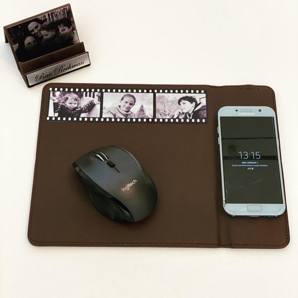 משטח לעכבר משולב מטען לנייד מתנה למשרד